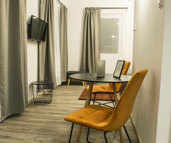 apartman, Makó, Marusius, apartmanház, üdülés, kikapcsolódás, szállás, tiszta, vendégbarát, kiadó, franciaágy